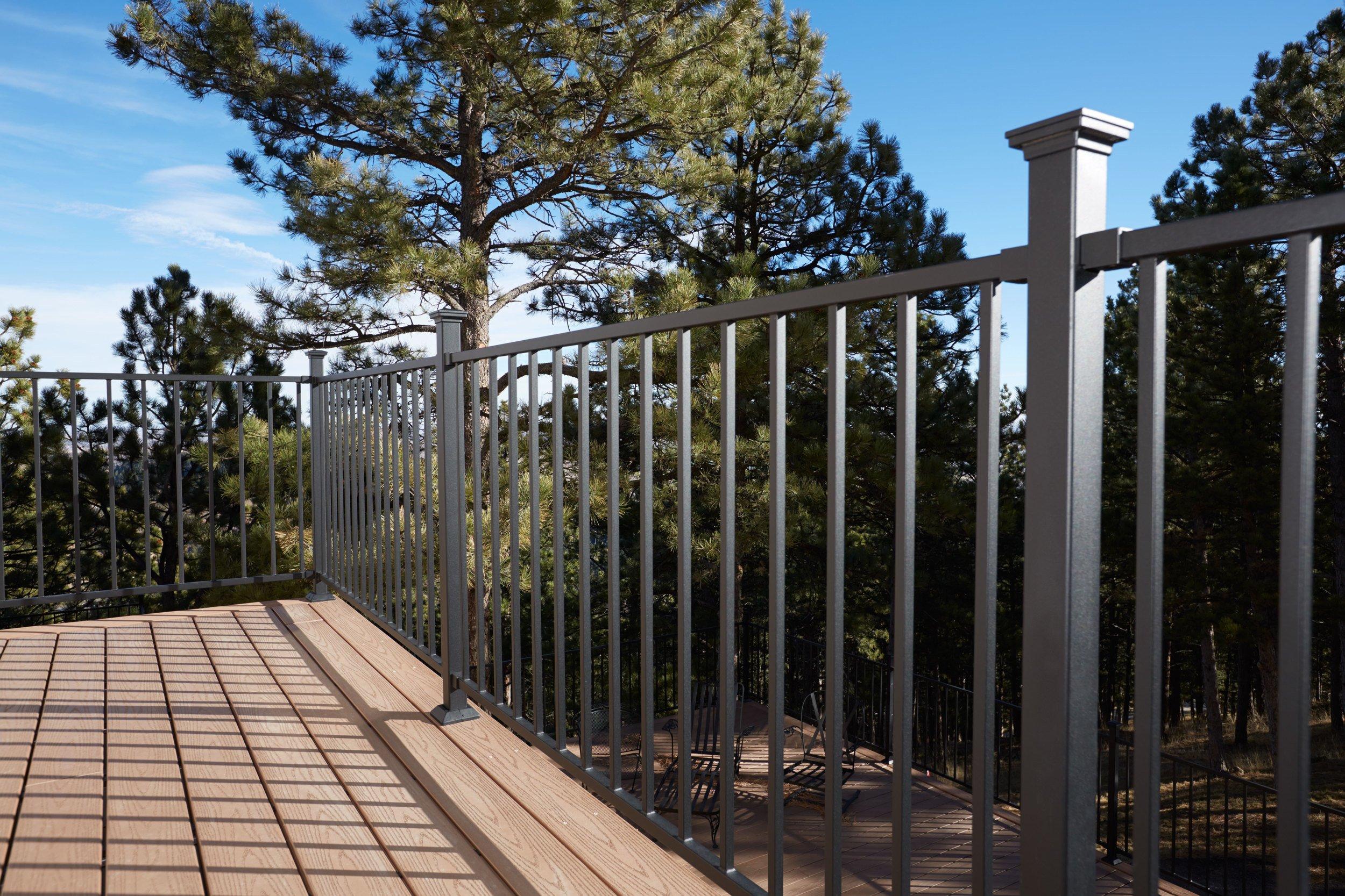 Railing hamshaw lumber ace hardware for Fortress fence design