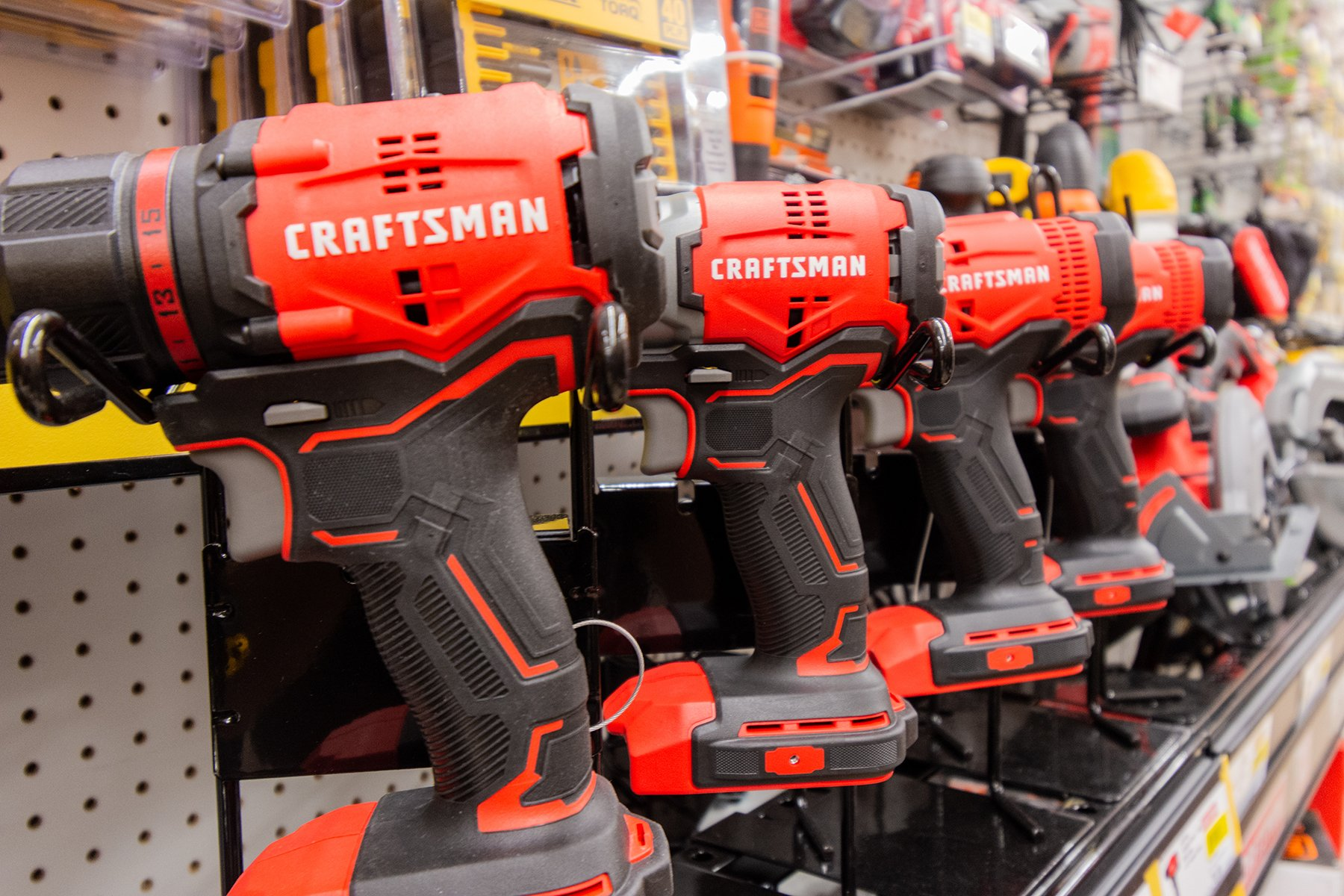 craftsman battery-powered drills
