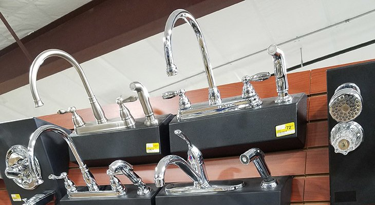 Display of Kitchen and Bathroom Faucet Sets