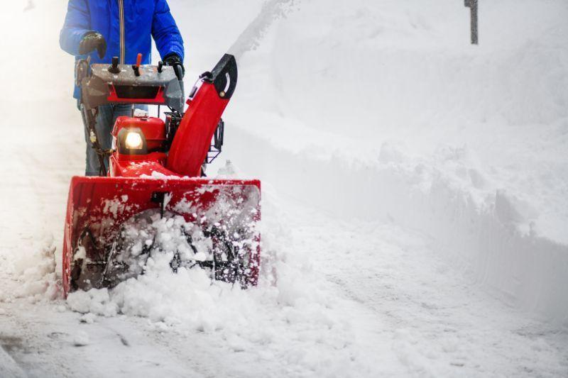 History of Snow Blowers, Toro and Honda Snow Blowers