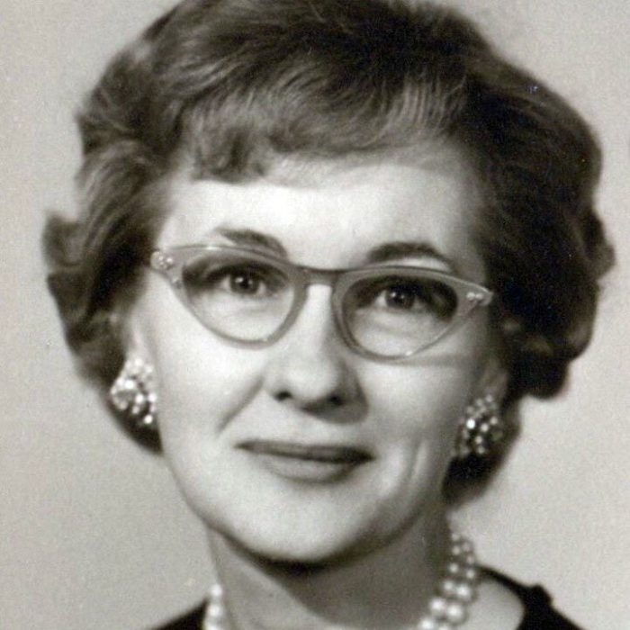Obituary: Annie Markham thumbnail