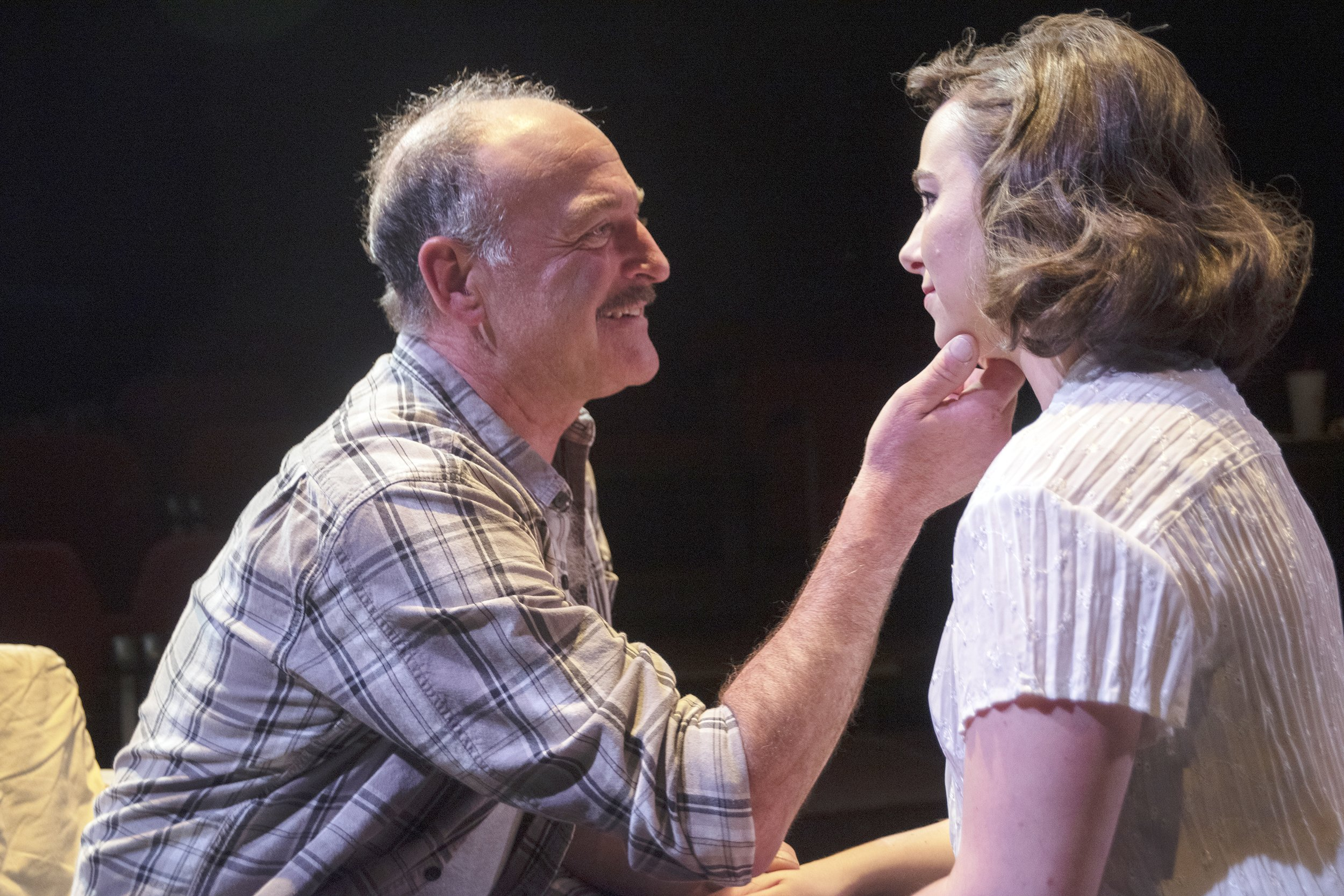 Review: Love and obsession in 'View from the Bridge' thumbnail