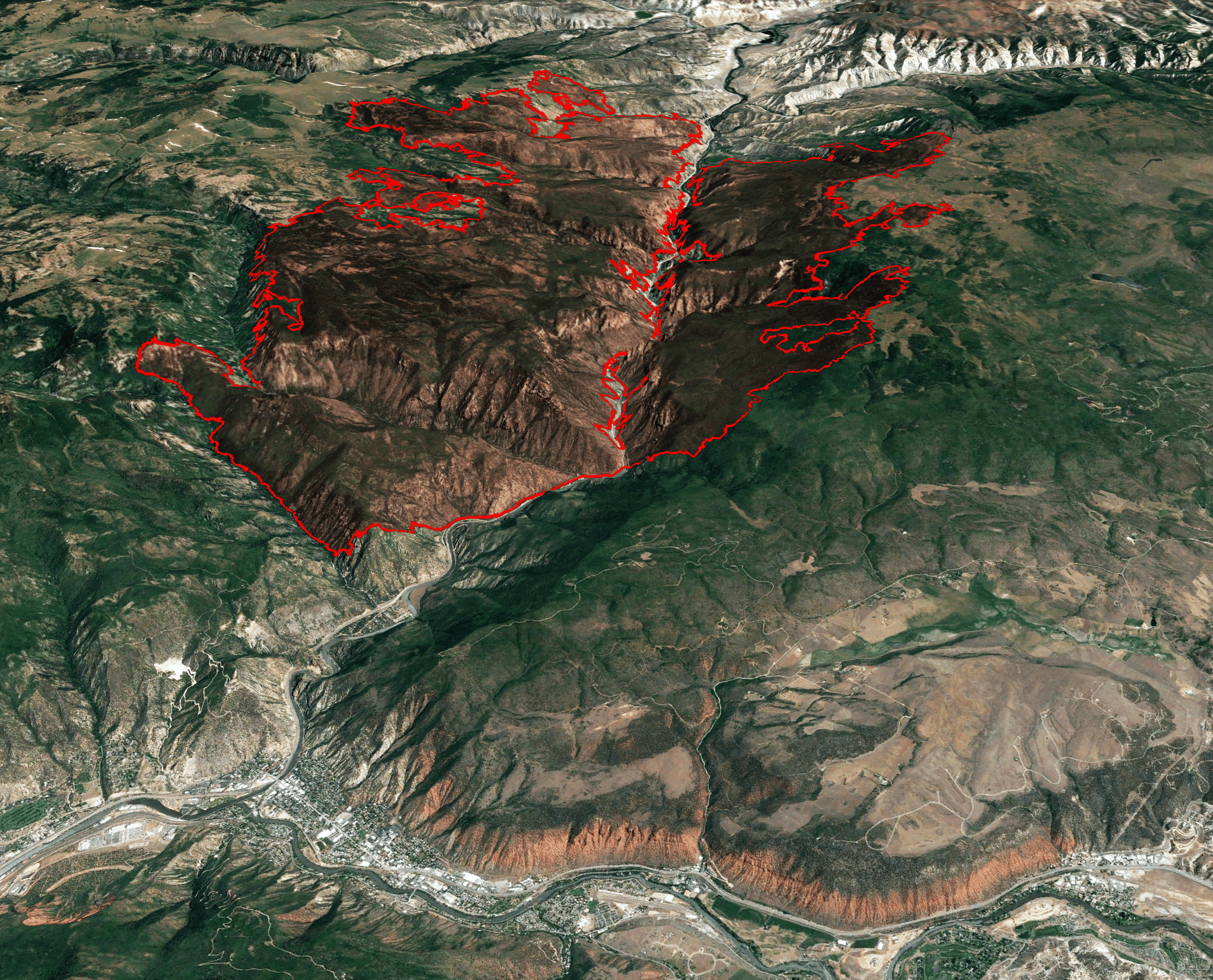 Grizzly Creek Fire slows its spread thumbnail