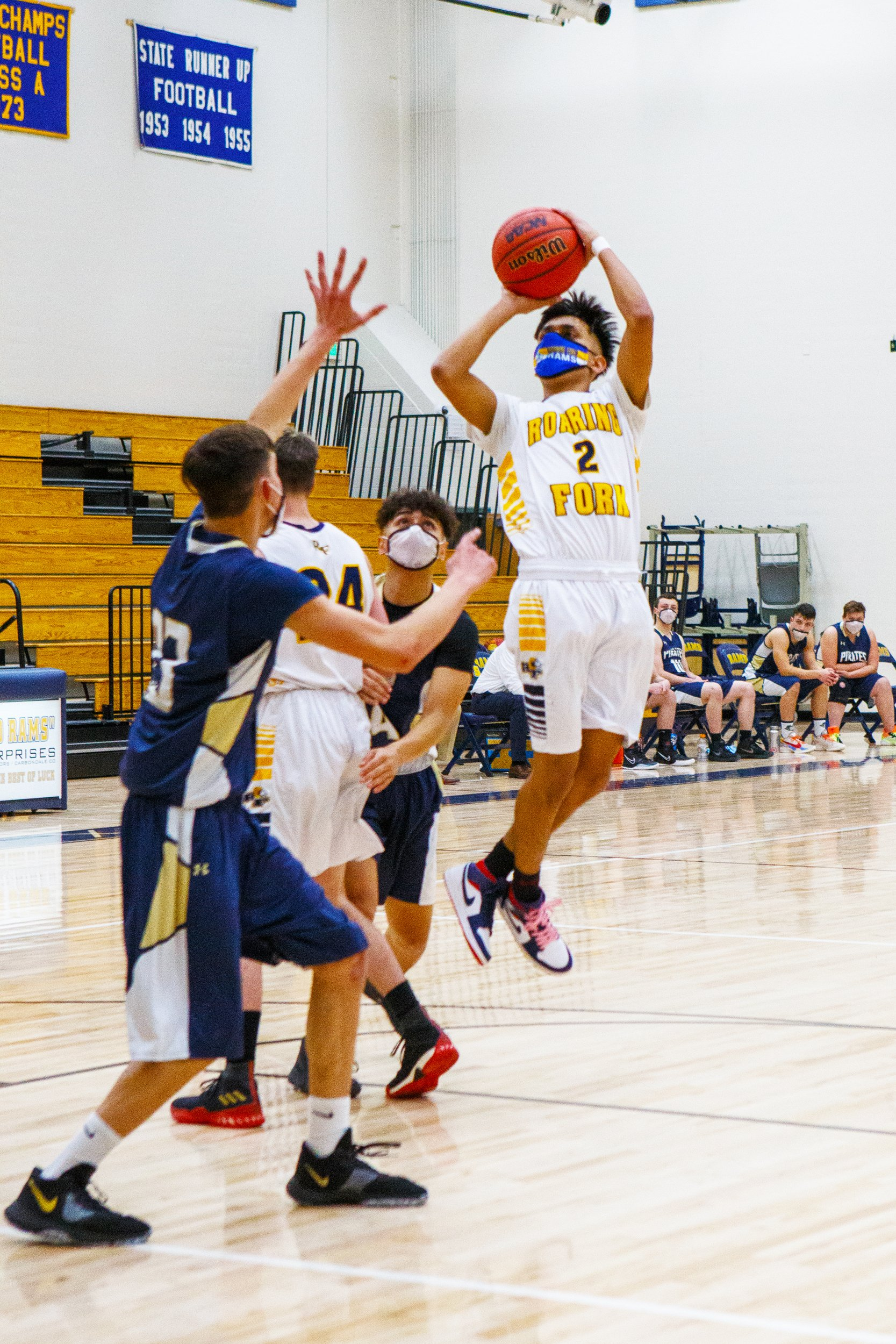 RFHS senior Alex Jaquez makes a shot.