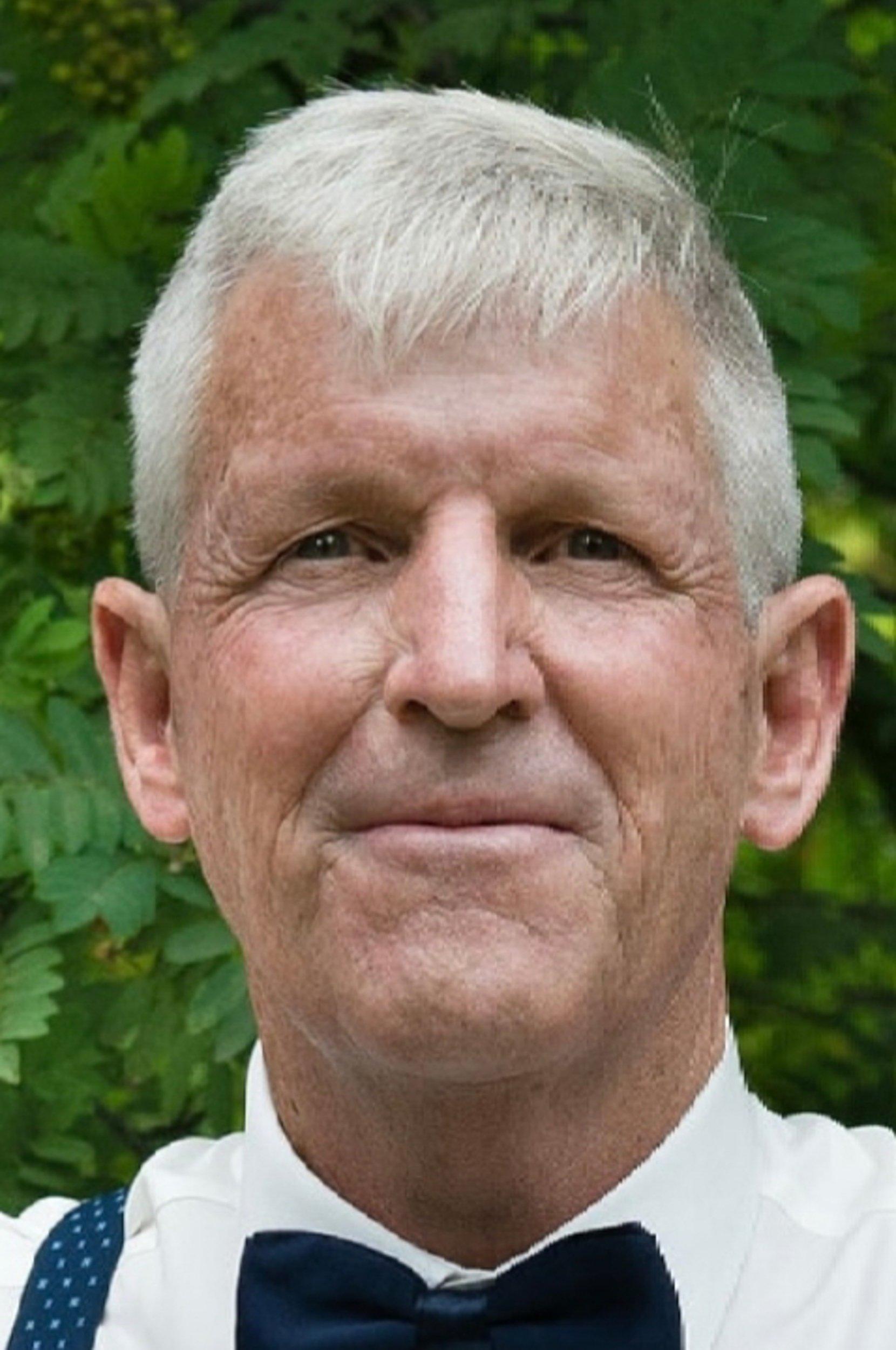 Obituary: Tom Bleskan thumbnail