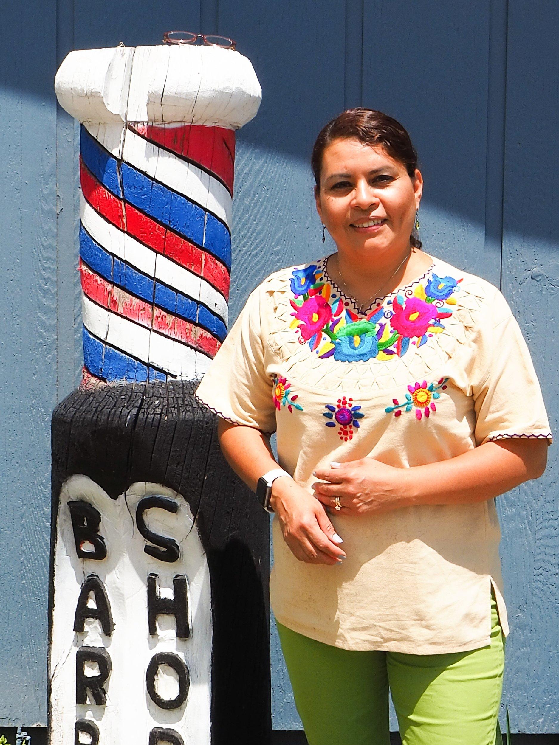 Rosa Contreras celebra su ciudadanía thumbnail