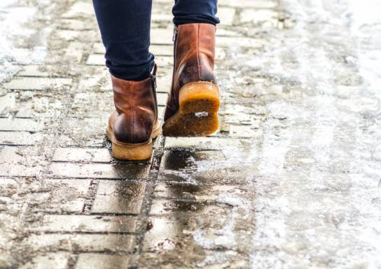 Winter Safety Tips: Avoiding Slips, Trips and Falls on Ice thumbnail