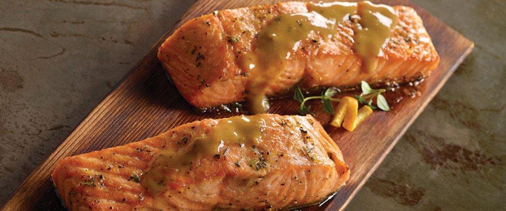 Cedar Planked Salmon with Honey Glaze thumbnail