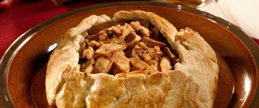 Apple-Walnut Crostata with Caramel Sauce thumbnail