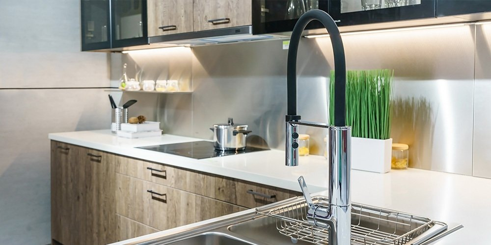 Tricks to Customize a Kitchen on a Budget thumbnail