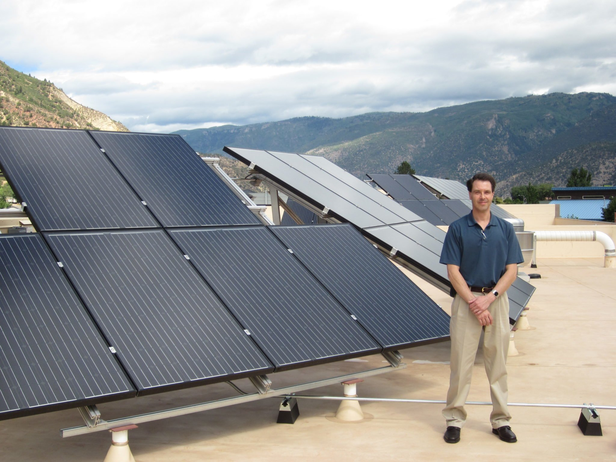 Small Businesses Benefit from Financing Solar Projects thumbnail
